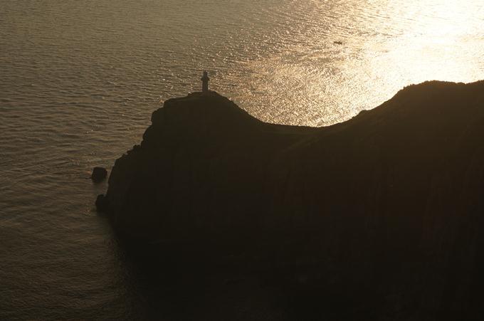 サンセットの大瀬崎灯台.JPG