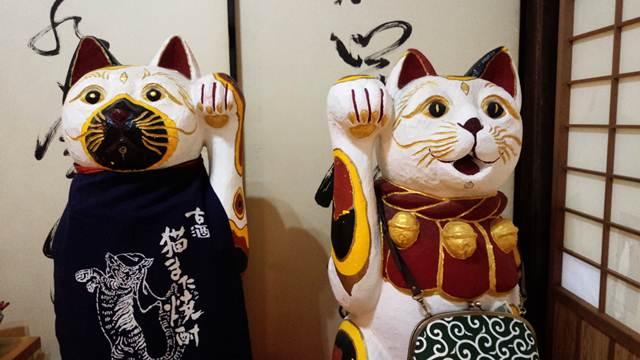 縁起の良い猫のペア.jpg