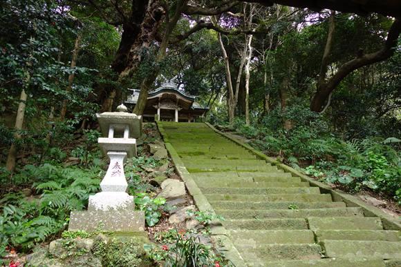 者島の神社.JPG